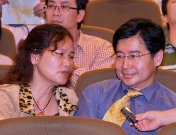 Huang Zhicheng, director of Dental Department of Taoyuan General Hospital, Department of Health, and his wife. Huang Zhicheng watched the of Shen Yun Performing Arts show on the afternoon of March 22 with his mother and wife. (Tang Bin/The Epoch Times)