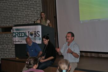 A discussion about the need for a greener economy at the People's Summit. (Lishanthi Caldera/The Epoch Times)
