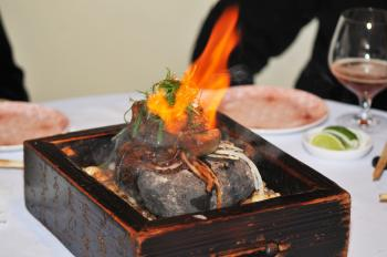 Kobe Steak Flambé over a hot rock at your table (Mingguo/The Epoch Times)