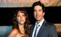 David Schwimmer, Former 'Friends' Star Engaged to Zoe Buckman