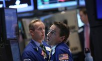 News Analysis: Dismal August Jobs Report Deflates US Markets
