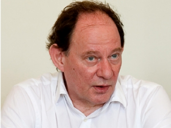 Edward McMillan-Scott speaks at an NTDTV press conference in London on July 23rd.  (Huw Greenwood/The Epoch Times)