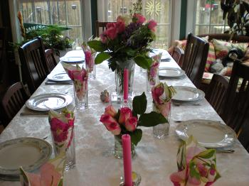 EASTER COLORS: Make sure to set your table with fresh flowers and colorful floral napkins to make the dinner even more special.  (Courtesy of Patty Gries)