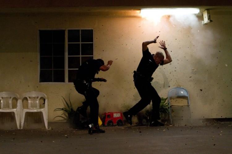 """two cops flee cartel gunfire in """"End of Watch"""""""