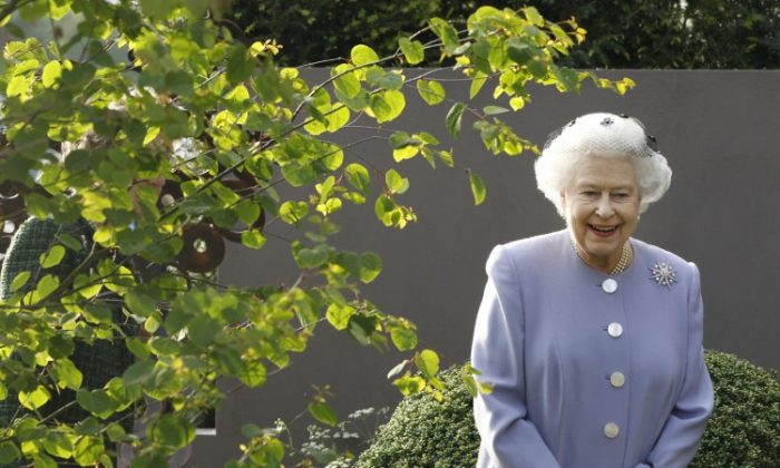 Queen Elizabeth II during a visit to the Chelsea Flower Show at Royal Hospital Chelsea on May 21, in London. (Lefteris Pitarakis/WPA Pool /Getty Images)