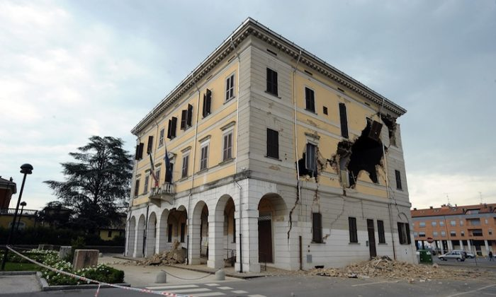 The Town Hall of Sant'Agostino is damaged following an earthquake on May 20, in Ferrara, Italy.(Roberto Serra/Iguana Press/Getty Images)