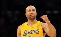 Guard Derek Fisher Signs With Oklahoma City