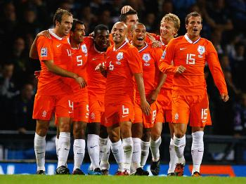 ORANGE CRUSH: The Netherlands aim to put a series of disappointments behind them at the World Cup in South Africa. (Jeff J Mitchell/Getty Images)