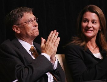 GATES FOUNDATION: Microsoft Corporation Chairman Bill Gates (L) and his wife Melinda attend a ceremony presenting them with the 2010 J. William Fulbright Prize for International Understanding at the Library of Congress in October. The Fulbright Prize recognized the Gates' philanthropic work through the Bill and Melinda Gates Foundation. (Win McNamee/Getty Images)