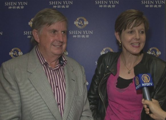 Gilbert Myles and his wife, Tina Myles, attend Shen Yun Performing Arts at Auckland's ASB Theatre. (Courtesy of NTD Television)