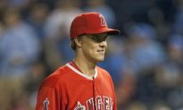Zack Greinke Signs With the Dodgers