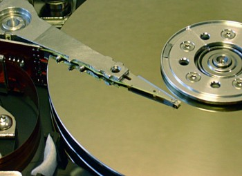 Hard disk head. (Petwoe/Wikimedia Commons)