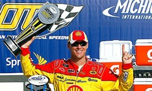 Budweiser to Back NASCAR's Kevin Harvick for Next Three Seasons