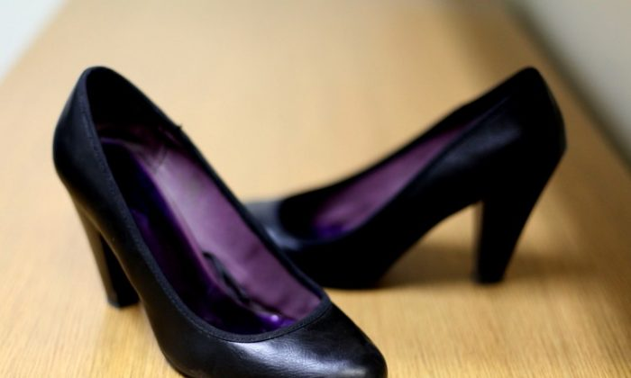 Study finds that wearing high heels long-term strains the muscles in the legs. (Amal Chen/The Epoch Times)