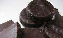 Dark Chocolate Linked to Lowered Cardiovascular Disease Risk