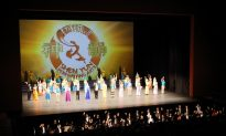 Chinese Scholar: Shen Yun's Dancing Is Exquisite