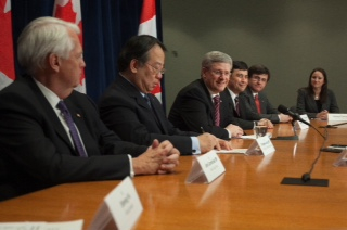 Canadian Prime Minister Stephen Harper (third left) takes part in a round table with Canadian Chinese media on March 9, 2012. (Courtesy of the Office of the Prime Minister)