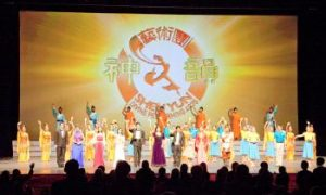 Chinese Student Greatly Moved by Shen Yun