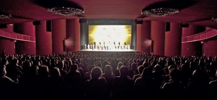 Shen Yun Performing Arts' curtain call at the Kennedy Center Opera House. (Lisa Fan/The Epoch Times)