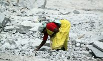 Indian Quarry Workers Break Out of Bondage