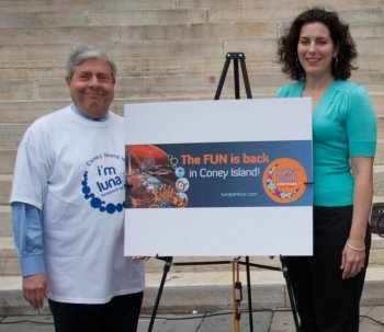 LUNATICS: Marty Markowitz and Lynn Kelly introduce the new logo for the Luna Park at Coney Island on Monday.  (Kristina Skorbach/The Epoch Times)
