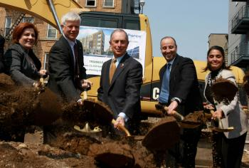 POLITICIANS DIG UP DIRT: Elected officials dig in at the groundbreaking for the cleanup and development of a contaminated vacant lot in Williamsburg, Brooklyn. At the ceremony was City Council Speaker Christine Quinn (L), State Department of Environmental Conservation Commissioner Joseph Martens (2nd L), Mayor Michael Bloomberg (C), site developer for Triangle Court LLC Meir Babaev (2nd R), and Councilwoman Diana Reyna (R).  (Tara MacIsaac/The Epoch Times)