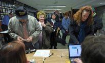 Romney Bests Santorum by 8 Votes in Iowa Caucuses