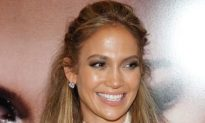 Jennifer Lopez Signs American Idol Deal