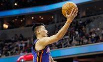 Houston GM Admits Mistake in Cutting Jeremy Lin