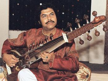 FIT FOR KINGS: Joydeep Ghosh playing the surshringar, an instrument usually played at the royal court. (Courtesy of Joydeep Ghosh)