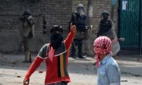 Five More Protesters Killed, Indian Government Discusses Peace in Kashmir