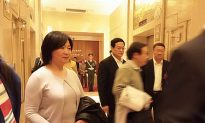 Chinese Petitioner Evades Security to Meet Congress Delegates