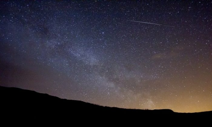 A Lyrid meteor with the Milky Way in the background, taken on April 15, 2012, in Perth, Scotland. (David Hannah)