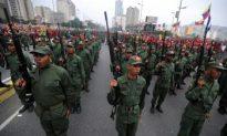 Chavez Swears in 34,000 Militia Members