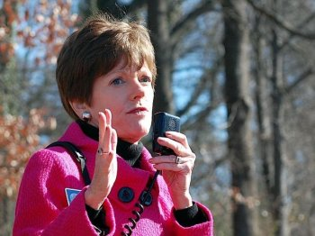 Mary Norwood speaks at a rally for the Atlanta Beltline in fall 2008. (Mary Silver/Epoch Times Staff)