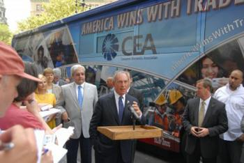 WIN WITH TRADE: New York Mayor Michael Bloomberg joins Consumer Electronics Association (CEA) in launching the 'America Wins with Trade' campaign. (Edward Dai/The Epoch Times)