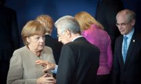 Divided Europe Discusses Deeper Integration at Summit