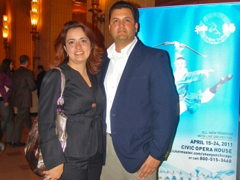 Mrs. Quinones, a general manager with CCC ITW, standing with her husband, Agustin Quinones, at the Shen Yun performance on April 17, at Chicago's Civic Opera House. (Charlie Lu/The Epoch Times)