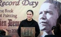 Indonesian Book on Obama Sets Record for Thickest Book