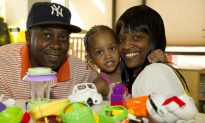 Charities Turn to Crowdfunding This Holiday Season