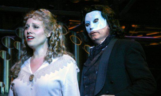Theater Review: 'Phantom'