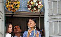 Burma Authorities Send Mixed Messages to Aung San Suu Kyi