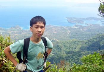 Gary as mountain guide high above the Puerto Galera beaches.  (Michael Wolf/The Epoch Times)
