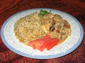 PAKISTANI STYLE: A meal of chunna rice and yogurt chicken. (Masooma Haq/The Epoch Times)