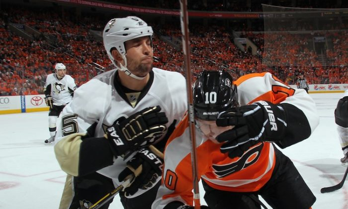 Facing elimination on Wednesday, the Pittsburgh Penguins crushed the Philadelphia Flyers in Philadelphia 10-3 after giving up 8 goals in games two and three. (Bruce Bennett/Getty Images)