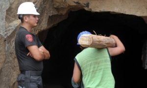 Freeing Trapped Miners Could Take Days, Says Peru