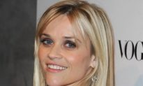 Reese Witherspoon Plays Peggy Lee