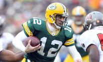 Packers Beat Tampa Bay, Move to 10-0