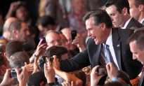 Romney Tightens GOP Hold as Rivals Hang On