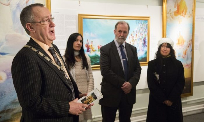 Deputy Mayor of the Royal Borough of Kingston Upon Thames, Cllr Barry O'Mahony, (L) opening the Kingston Museum Exhibition of The Art of Zhen Shan Ren on January 31, 2013. (Simon Gross/Epoch Times)